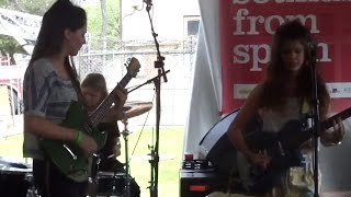 "Hinds - ""Fat Calmed Kiddos"" @ Spanish Music Showcase SXSW 2015, Best of SXSW Live run"