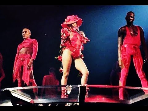 Lady Gaga: NEW OUTFIT - Montreal Canada || Joanne World Tour