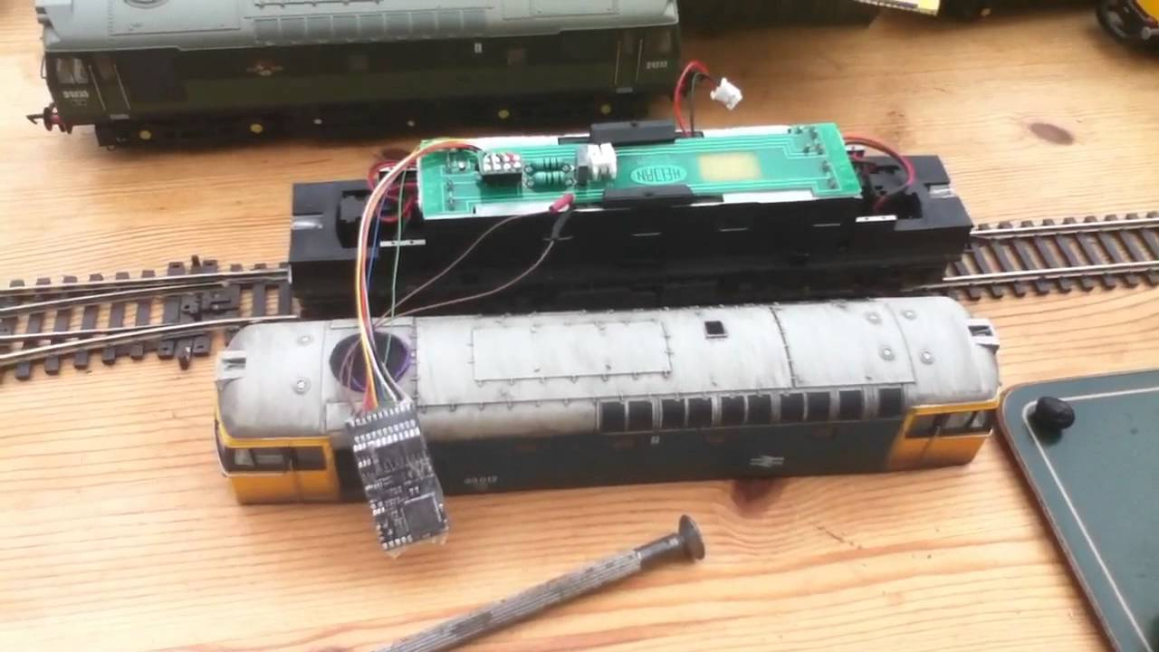 Model Railways 4 - Fitting olivia's dcc sound to Heljan class 33  check the  link at the end