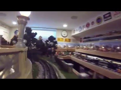 Mark Horne's O Gauge layout - Streetcar line
