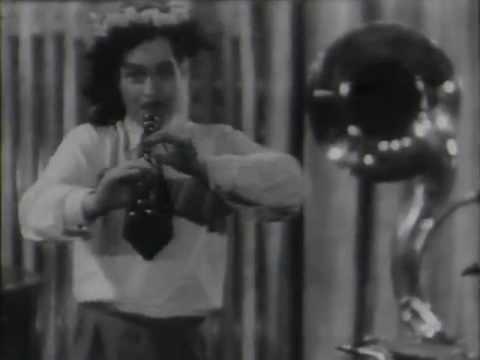 1932 Theo Mackeben music&band - Die Fünf Von Der Jazzband (filmclip)