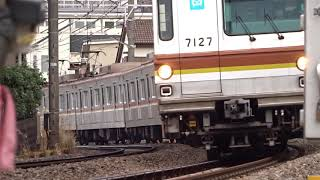 東京メトロ7000系7127F菊名4号踏切通過