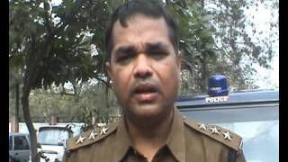 Greater Noida Police arrests Auto Driver for looting college girls.