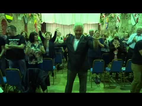 Derek Acorah dances to Pharrell Williams Happy with audience!