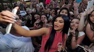 Kylie Jenner VS Tana Mongeau