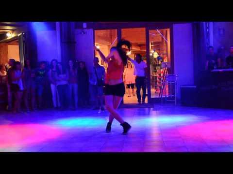 Coreografia Reggaeton y Dembow by Martina Banini