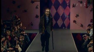 видео: Децл прошёлся по подиуму на Bosco Fashion Week показ Paul Smith