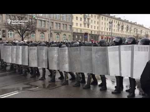 In Minsk, Police Crackdown On Antigovernment Protesters