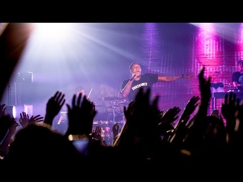 "Lecrae performs ""Broke"" & ""Never Gone Change"" (NEW songs) in Toronto Concert #DestinationTour"