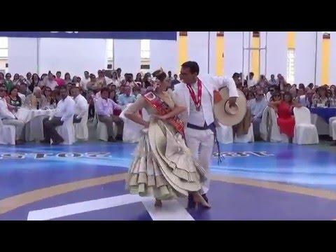 56 Concurso de Marinera Club Libertad. Baile de la Reina S.M. Camila Vermejo con Gino Morales