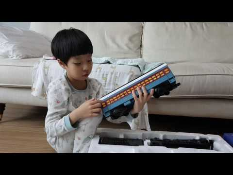 Taipankids의 크리스마스 특별판 영상 LIONEL THE POLAR EXPRESS G-gauge Train Set 소개