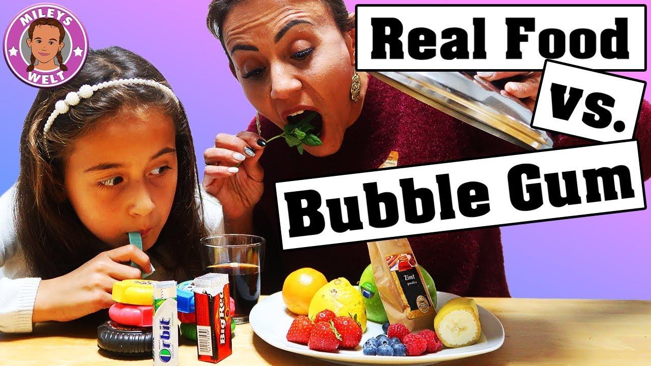 REAL FOOD VS BUBBLE GUM | KAUGUMMI VS ECHTES ESSEN ...