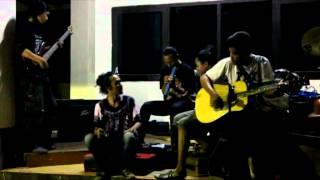 "Musikalisasi Puisi ""Doa"" karya Chairil Anwar oleh Teater Karoeng"