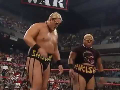 Rikishi & Showkishi vs Edge & Christian (Tag Team Championship) - Raw 05/01/00