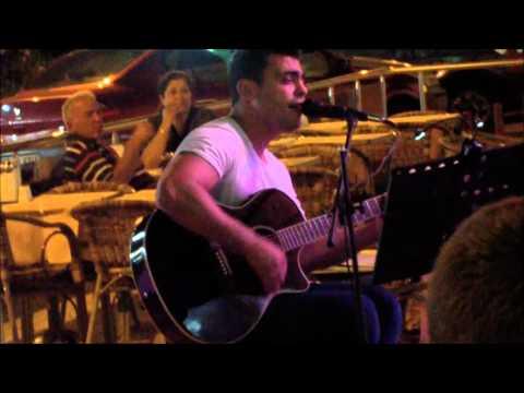 Турецкий гитарист.wmv