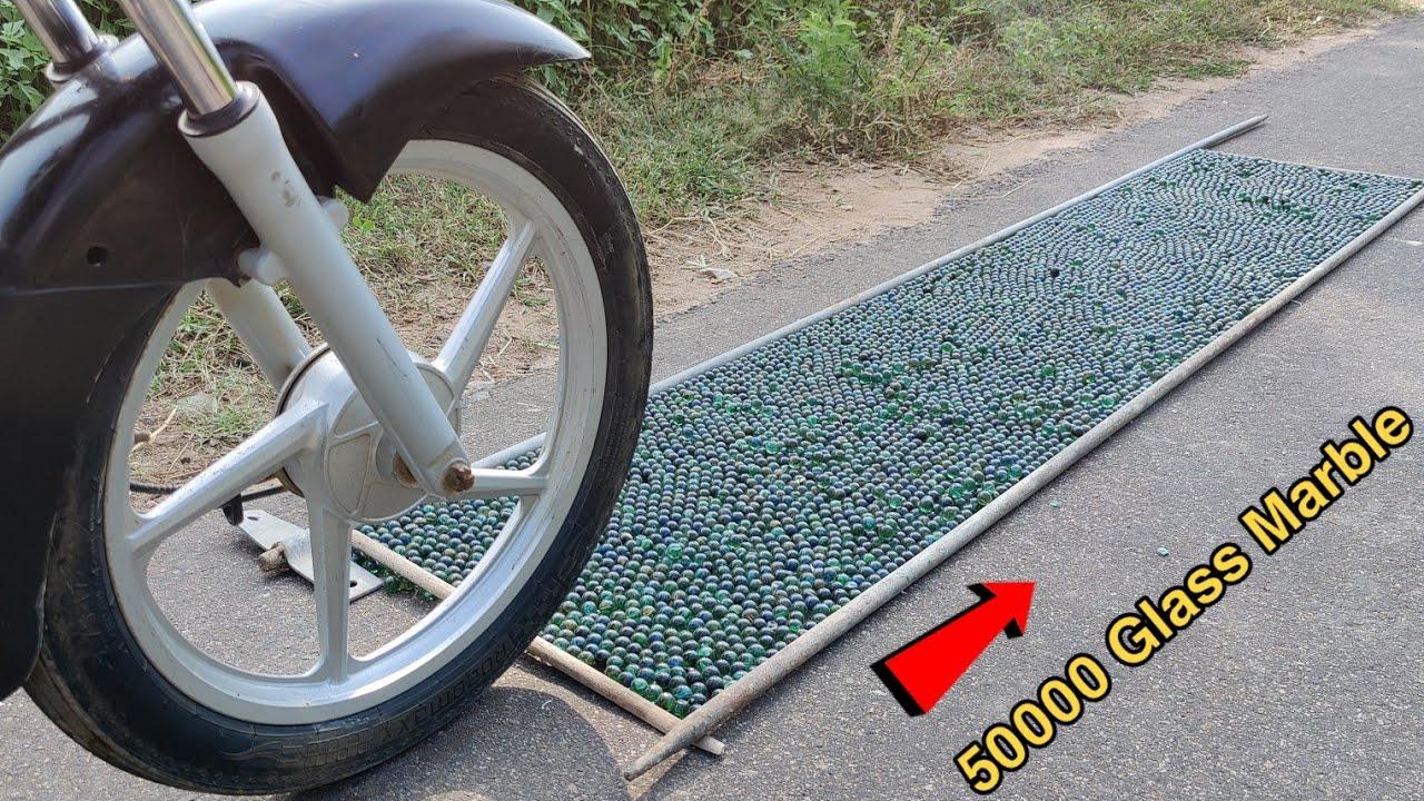 कभी काँचे के कंचों पर बाइक पर मत चलाना - Don't Drive Your Bike On Glass Marble