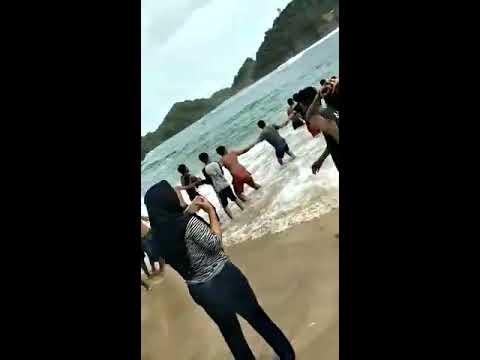 DETIK DETIK KORBAN SELAMAT Yang terseret Ombak Pantai BANGSONG TELUK ASMARA 30Des2017