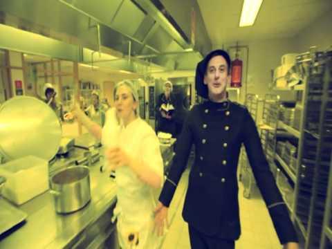 Woonzorgcentrum Zonnebloem OCMW Gent - videoclip 'Alles ziet er anders uit'