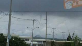 tornado en santa fe tlajomulco.mpg