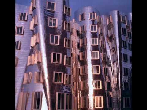 Frank Gehry: Deconstructivist Architect
