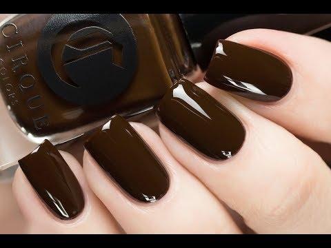 Ногти матовые коричневые