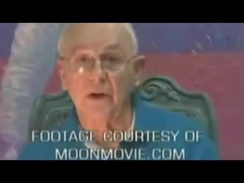 FLAT EARTH EVIDENCE   MOON LANDING Debunked !