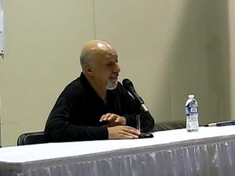 Erick Avari at Motor City Comic Con 2009