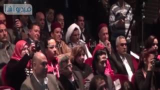 بالفيديو: محافظ مطروح يحصل على جائزة أوسكار كأفضل محافظ لعام 2016من الإذاعة المصرية