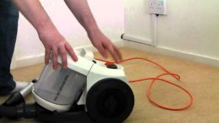 Vax C88 W1-B bagless cylinder vacuum cleaner (A novice review)