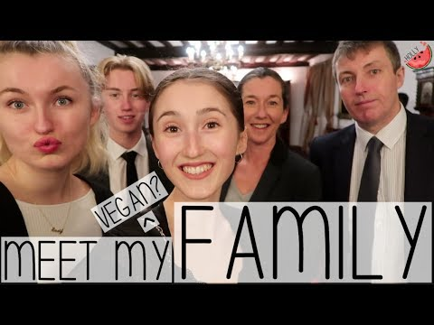 MEET MY CRAZY FAMILY! FOOD LOVERS + ALL VEGANS? | WEEKEND VLOG WITH HOLLY GABRIELLE