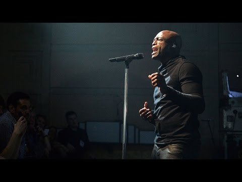 Seal - Kiss From A Rose (Radio 2 In Concert)