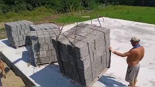 Махошевская Мостовского района, разгрузка блока. Арболит Юг строительство дома из арболит блока