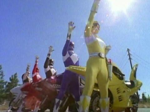 Mighty Morphin Power Rangers - The Power Rangers summon their Zords