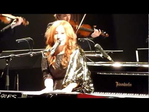 Tori Amos - Spark take 1 & 2 (abandoned) & Carry (Amsterdam, NL 2011-10-18)
