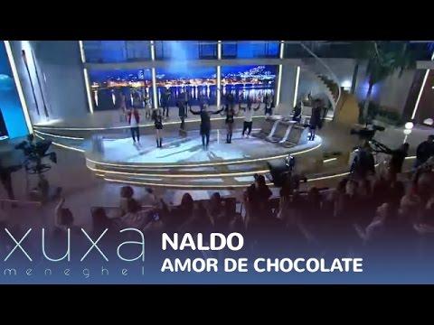 Naldo Benny se joga com Amor de Chocolate