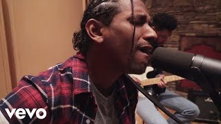lloyd tru acoustic in studio version