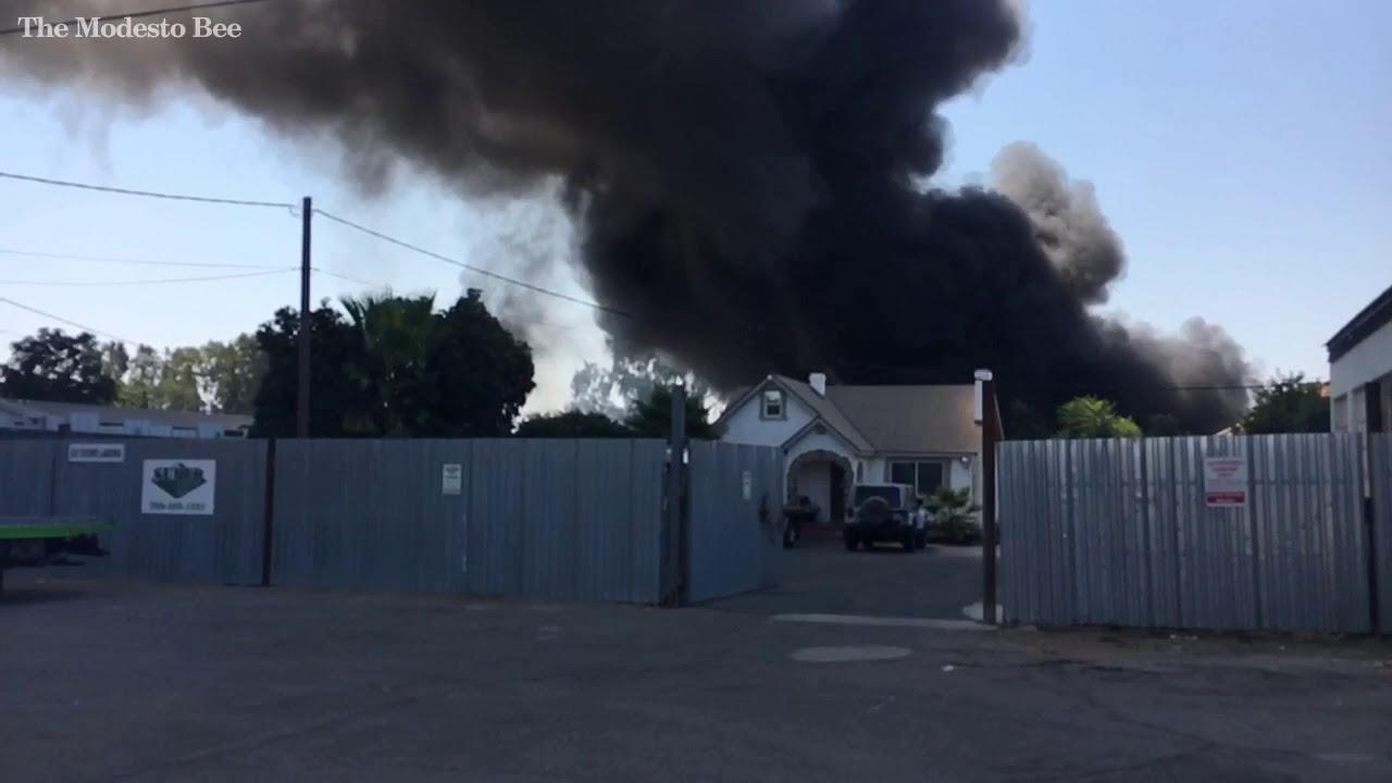 Modesto Auto Wreckers >> Fire Behind Modesto Auto Wrecker