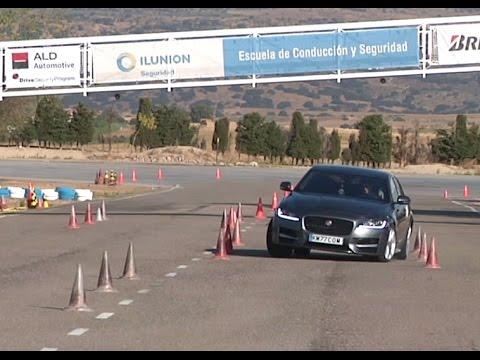 Jaguar XF 2016 Maniobra de esquiva moose test y eslalon km77.com