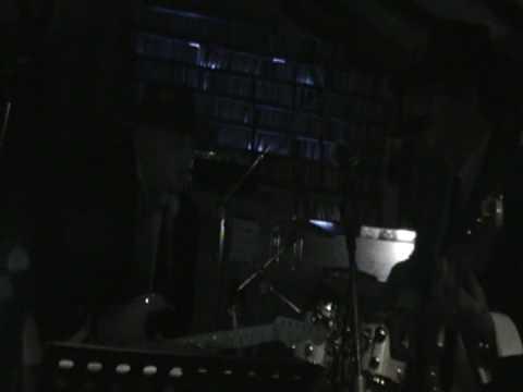 Treis ki o koukos ''live'' 2822009