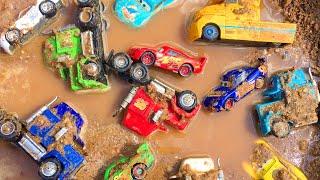Disney Cars Toys Learn Colors Lightning McQueen & Mack in Dirt