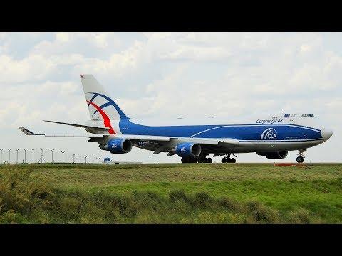 Pouso e Decolagem Cargo Logic Air Transportando equipamentos da Formula 1
