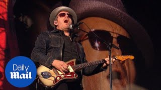 Musician Elvis Costello plays Global Citizen Festival in 2013