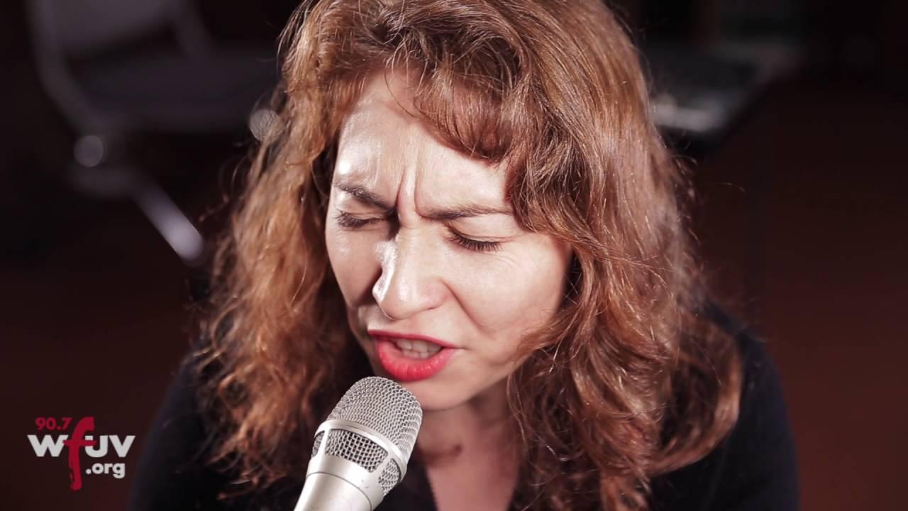 regina-spektor-older-and-taller-live-at-wfuv-wfuv-public-radio