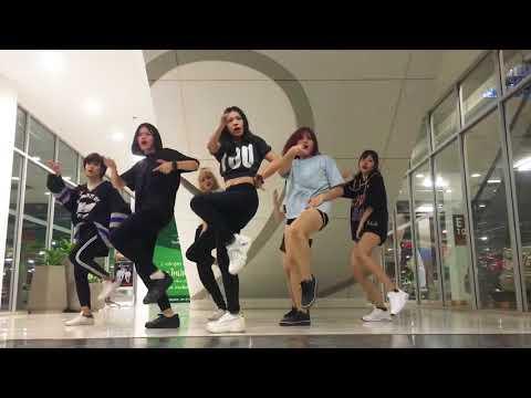 "MOMOLAND(모모랜드) - ""뿜뿜(BBoom BBoom)"" DANCE COVER' (SOSAII & RESET)"