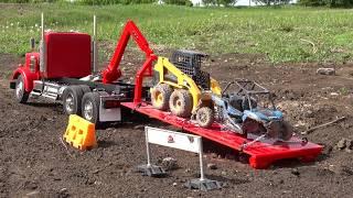1/14th scale Hook Loader Truck hauls a broken CAT Skid Steer & Polaris RZR | RC ADVENTURES