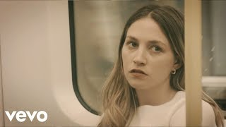 Wolf Alice - Don't Delete the Kisses (Official Video)