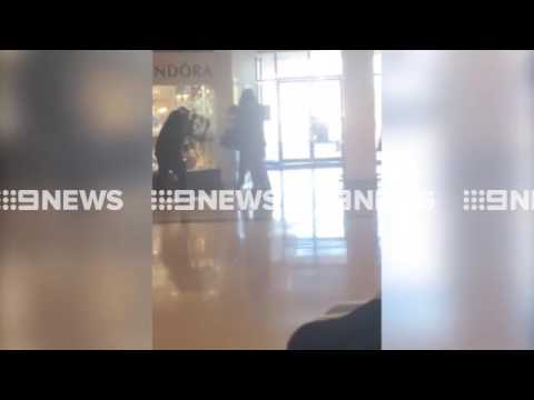 Video: Armed robbers raid Melbourne jewellery store