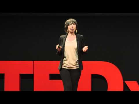 From Bello to biutiful: what's going on with the Italian Language? | Annamaria Testa | TEDxMilano
