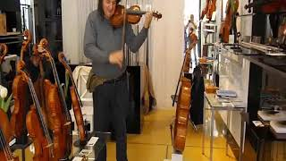 Cremona 29/09/2018 via Mercatello 62. Violin test. バイオリンのテスト.