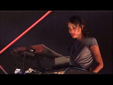 Agar Agar -  Prettiest Virgin (live)